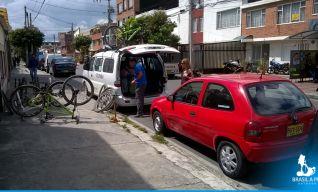 Desembarque das bikes em Bogotá